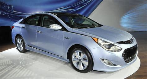 Hyundai Sonata Hybrid Warranty by Hyundai Sonata Hybrid To Best Rivals With 10 Year 100 000