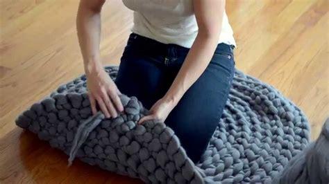 Karpet Jarum tonton deh ini kamu bisa belajar bikin karpet