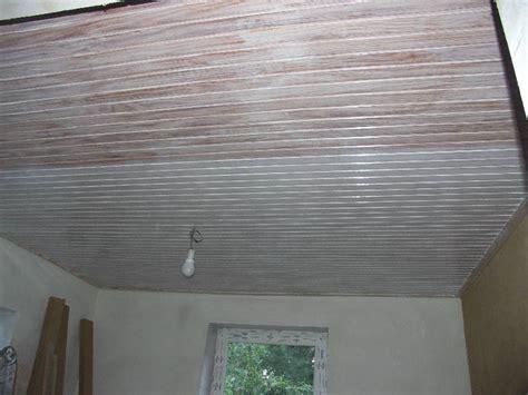 Decke Lasieren by Holzdecke Wei Streichen Sofa Wei With Holzdecke Wei