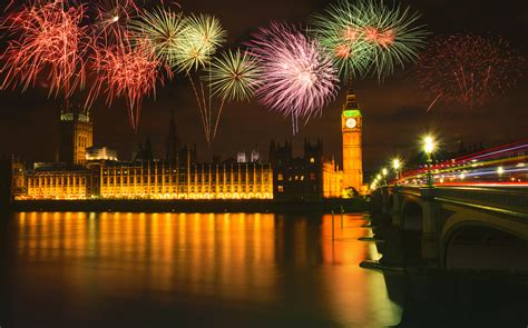 boat cruise london new years eve new year s eve dinner and firework cruise london boat