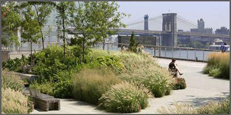 giardini attrezzati cheap ottimo per la di un tetto giardino grandi spazi