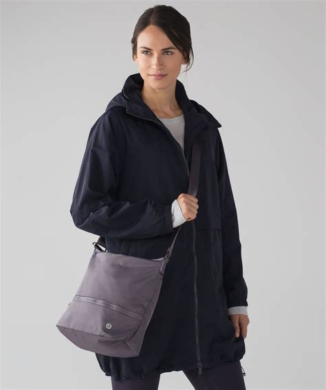 lululemon go lightly shoulder bag lululemon go lightly shoulder bag magnum lulu fanatics