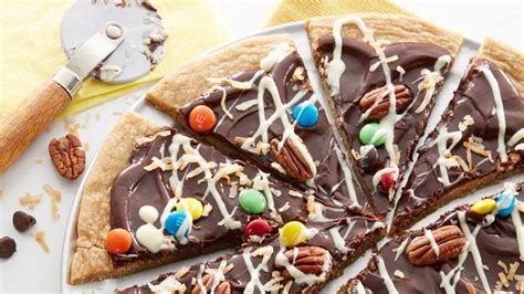 chocolate cookie pizza recipe from betty crocker