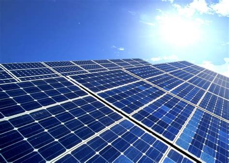 longi green energy technology solar panels record low bids for solar in india underscore its vast
