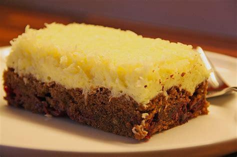 kuchen mit kokos kokos kirsch kuchen rezept mit bild lammy