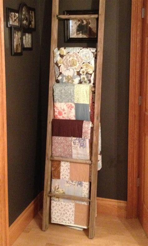 How To Make A Ladder Quilt Rack by Ladder Quilt Rack Cozy Quilts Quilt