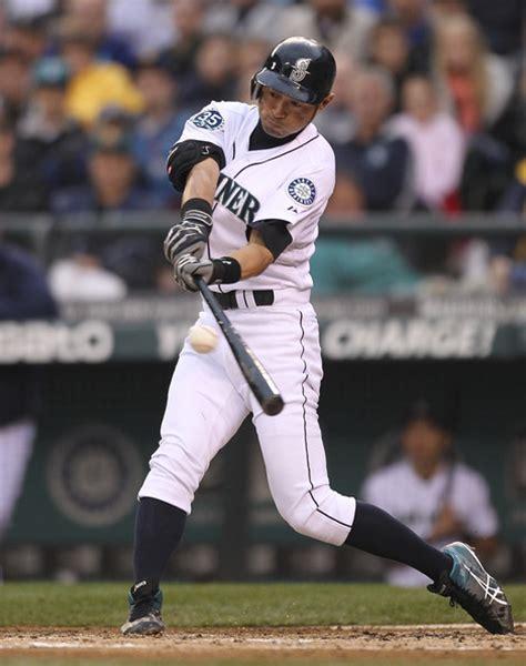 Ichiro Suzuki Pitching Ichiro Suzuki Photos Photos San Diego Padres V Seattle
