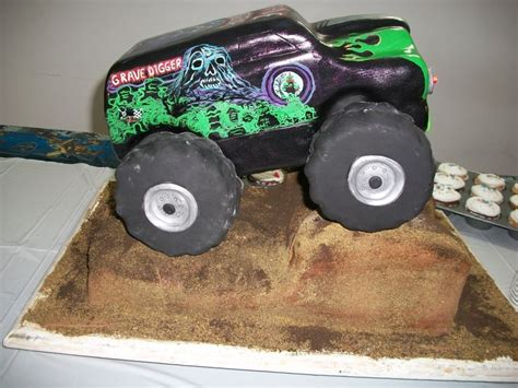 grave digger truck cake 25 best ideas about grave digger cake on