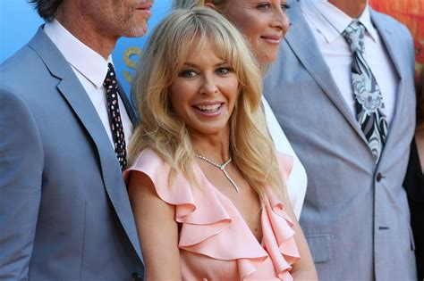 swinging in sydney kylie minogue quot swinging safari quot premiere in sydney