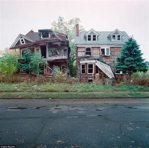 building a home in michigan detroit housing photographs of crumbling houses that