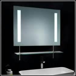 spiegel mit steckdose und beleuchtung badspiegel mit beleuchtung und steckdose heimdesign