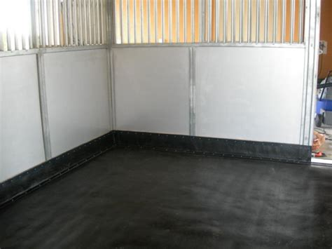 Rubber Stall Flooring by Stall Mats And Matting For Barn Floors