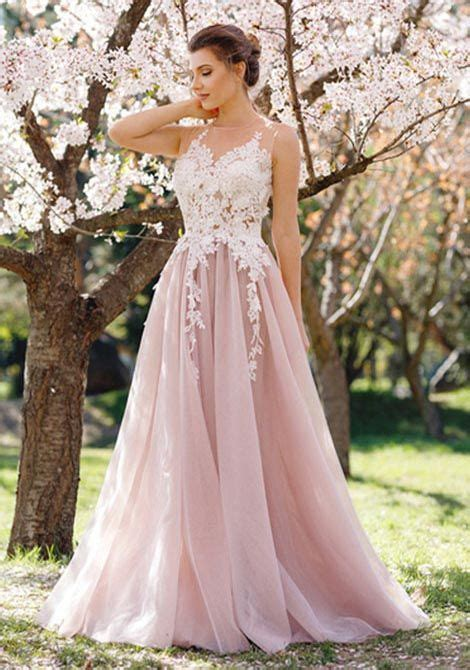 Prom Wedding Dresses Uk by 22 Stunning Prom Dress Inspirations For 2017