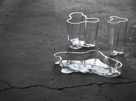 vaso alvar aalto design genius alvar aalto artek and the aalto vase