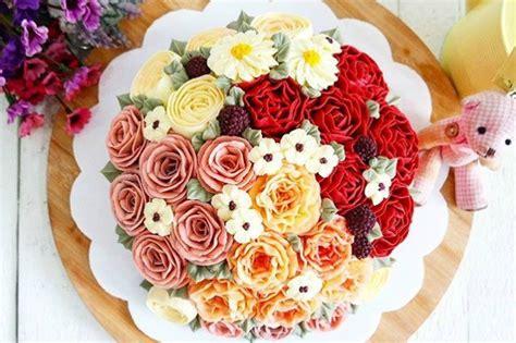 torte di fiori freschi floral cake le torte nuziali decorate con i fiori freschi