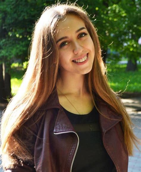 ragazze futura olga 20 anni vinniza ucraina agenzia matrimoniale futura