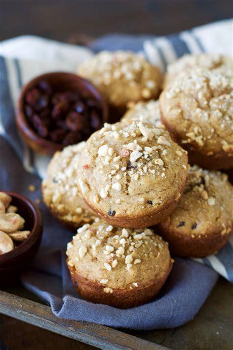 Cashew Crumble cinnamon raisin muffins with vanilla cashew crumble maebells