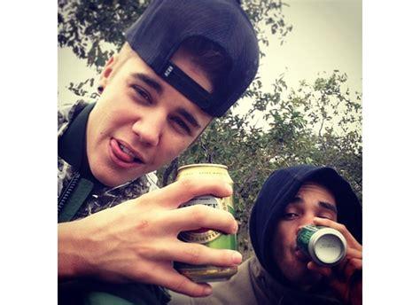 imagenes de viernes tomando justin bieber se relaja con cerveza taringa