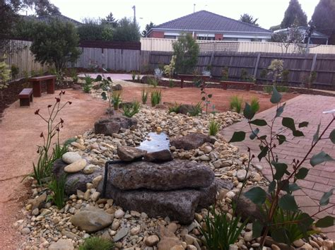 low maintenance landscaping ideas low maintenance