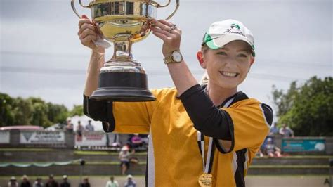 Mandy Pairs Up With Coach by Commonwealth Medallists Return To Blackjacks Bowls