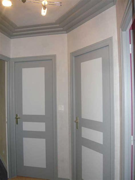Decoration Porte Interieur Peinture by Impressionnant Peinture Porte Couloir Et Peinture Pour
