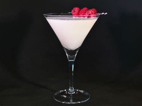 white chocolate martini white chocolate raspberry martini cocktaildudes