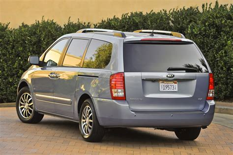 The New Kia Sedona 2011 Kia Sedona Gets A New Grille And More Power The