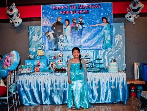 frozen themed party entertainment ykaie is 7 a frozen themed birthday party the peach kitchen