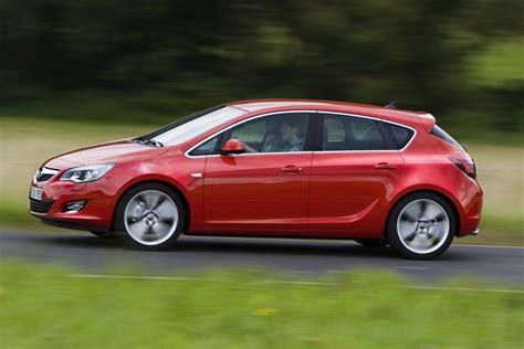 Golf Klasse Autos by Opel Astra Vs Renault Megane Angriff In Der Golf Klasse