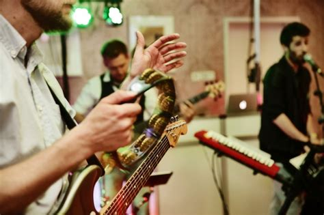 Wedding Reception Bands by How To Find The Band For Your Wedding Reception