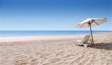 Infos sur : plage sable Arts et Voyages