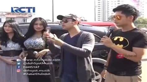 Tv Ratusan Ribu live dahsyat ngamen lima menit host dahsyat dan duo