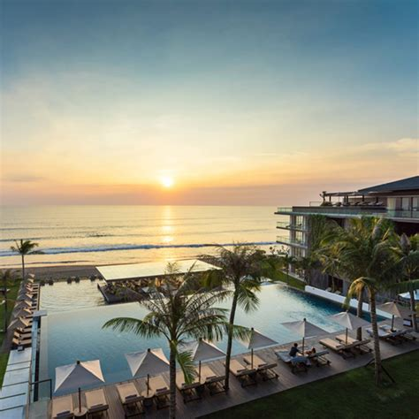 resorts  sea views  bali   stay travelshopa