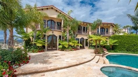 kobe house kobe bryant house mansion home successstory