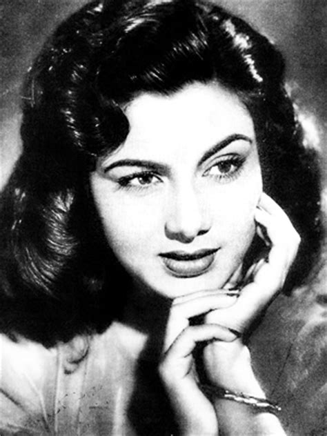 biography of indian film actress nimmi various photographs of hindi movie actress nimmi 1940 50