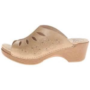 Are Dansko Clogs Comfortable Dansko Women S Sheri Sandals 171 Fshoesstyles
