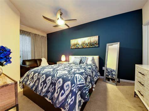 peacock themed bedroom  luxurious feeling