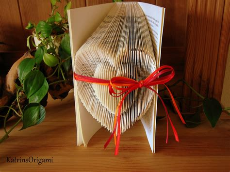 Book Origami - book folding origami sculpture