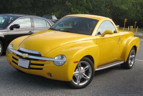 old car owners manuals 2003 chevrolet ssr interior lighting chevrolet ssr wikipedia