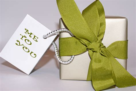 personalizing your holiday gift giving