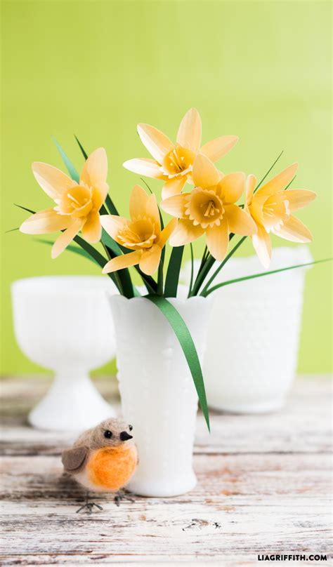 daffodil paper flower pattern paper flower daffodil bigdiyideas com