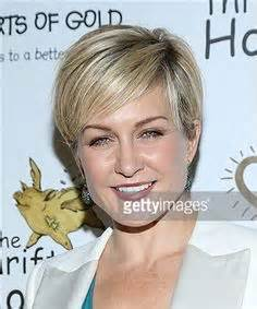 current hairstyle of amy carlson sally field photos i need a haircut pinterest sally
