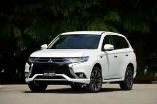 Mitsubishi Reviews 2016 Mitsubishi Outlander Phev Review Caradvice