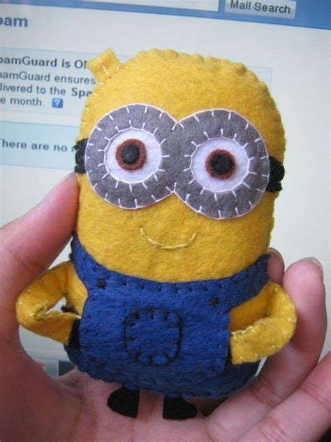 Felt Paper Craft - minion fabric paper crafts amazing craft ideas