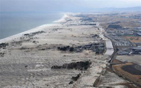 fotos tsunami de jap 243 n cuatro a 241 os despu 233 s galer 237 a de forte terremoto provoca tsunami e mata centenas no jap 227 o