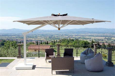 ombrelloni da terrazzo prezzi grandi ombrelloni da giardino