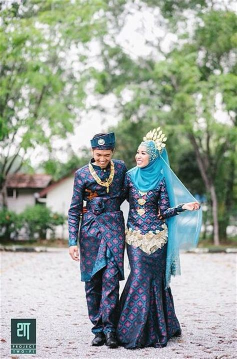 design gaun songket songket biru gold songket pinterest beautiful