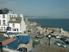 cobb gate house lyme regis cobb gate and clock lyme regis 169 katy walters cc by sa 2