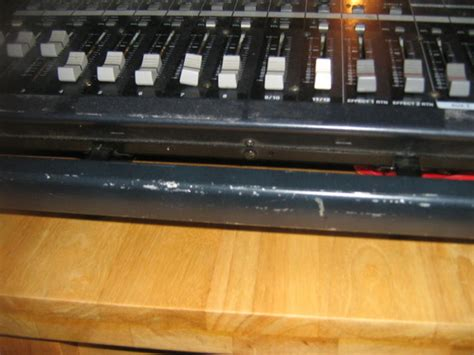 Powered Mixing Desks For Sale by Yamaha Emx5000 12 Channel Powered Mixing Desk For Sale In
