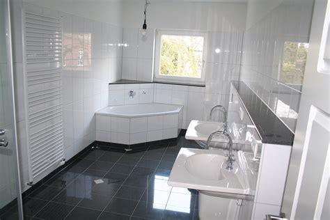 billige badezimmer fußboden ideen k 252 che schwarz wei 223 hochglanz
